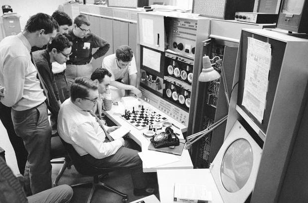 MacHack w pojedynku szachowym. Źródło zdjęcia: https://www.chess.com/